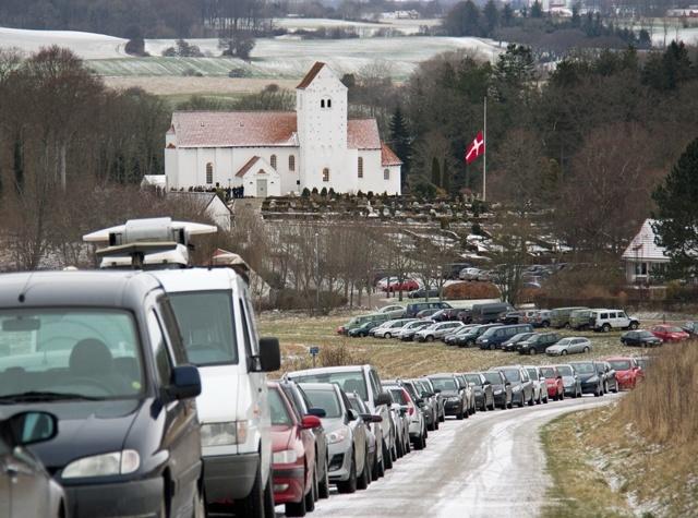 Begravelse i Veng Kirke